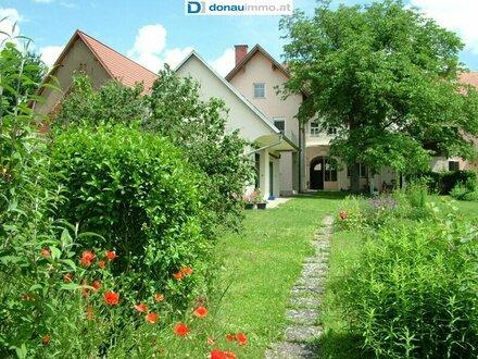 ****ZU MIETEN**** Idyllisches Stadthaus mit großem Garten