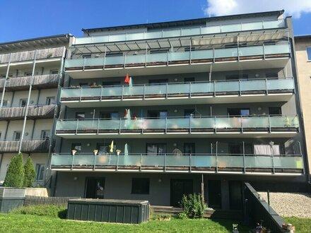 Top ausgestattete Wohnung mit Balkon und Garagenplatz