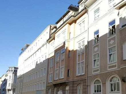 Charmante 2,5 Zimmer Dachgeschoßwohnung im Andräviertel