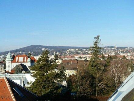 Sonnige DG-Maisonette in Grünruhelage mit wunderschönem Ausblick inkl. Garagenstellplatz