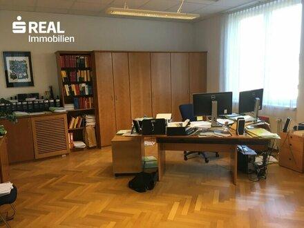 Ordination, RA-, oder Steuerberatungskanzlei, Büro allgemein