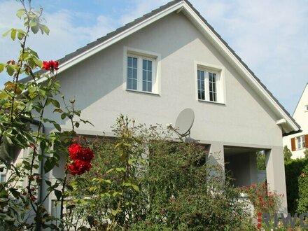 Schmuckstück in familienfreundlicher Grün- und Ruhelage - Einfamilienhaus mit großzügigem Garten auf Eigengrund