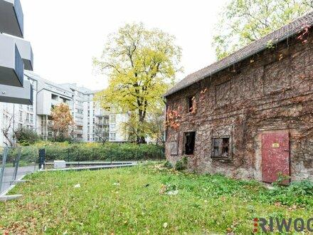 Sanierungsbedürftiges Einfamilienhaus mit romantischer Backsteinfassade und Garten - MITTEN IN DER STADT!