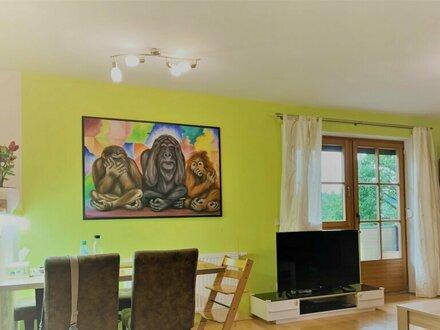 Gemütliche, neuwertige 3-Zimmerwohnung mit Balkon und 2 Stellplätzen in Obertrum am See