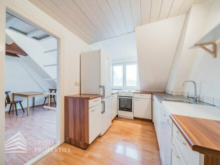 Schöne Dachgeschosswohnung im Grünen von Wien