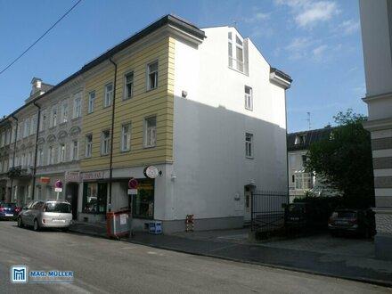 1 - Zimmerstartwohnung in Jahrhundertwende-Villa