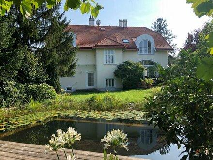 Repräsentative Villa in Grünruhelage mit Blick auf die Weinberge und den Wienerwald