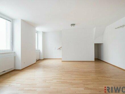 //NEU// traumhafte, lichtdurchflutete 5 Zimmer Maisonette- Wohnung mit einer großzügiger Terrasse