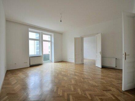 EUM - Stilaltbau mit kleinem Balkon! 3-Zimmer-Wohnung mit separater Küche im 1. Liftstock