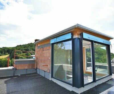 Von der Sonne geküsst! High End Doppel-Villa mitten im Grünen + Wohnträume im schönen Wienerwald! Nicht lange zögern! Provisionsfrei!