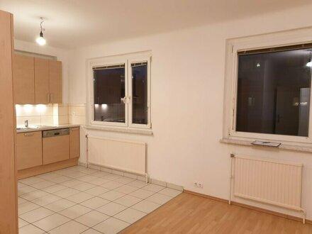 Großzügige 3 Zimmer Wohnung in Grünruhelage - WG geeignet
