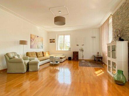 Großzügige 3-Zimmer-Altbauwohnung in zentraler Lage