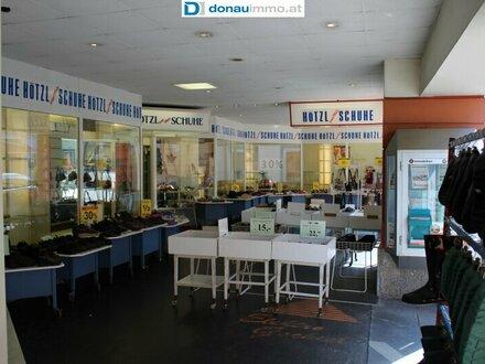 Zentrale Geschäftsfläche am Hauptplatz von Hartberg