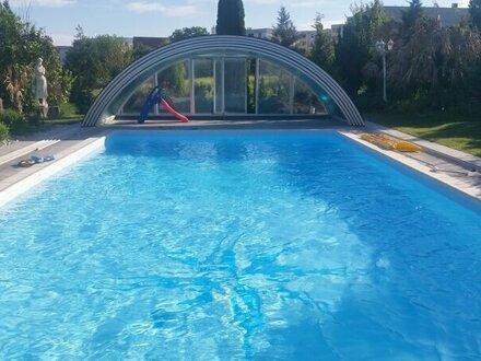 Großzügiger Garten, exklusives Wohnen und Arbeiten unter einem Dach, ideal auch für 2 Familien!