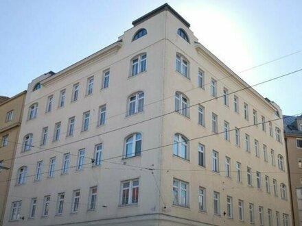 Fruethstraße/Wällischgasse! Sanierungsbedürftige Altbauwohnung im 4. Liftstock T38