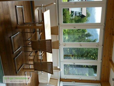 Einziehen und loswohnen! Großzügige 3-Zimmer-Wohnung+Wintergarten