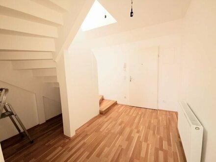 ++NEU** BESTLAGE: 2-Zimmer DG-Maisonette mit Terrasse!