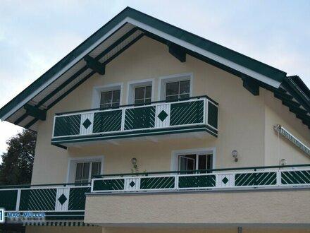 Ab sofort frei - nette 4 Zimmer Dachgeschoß-Wohnung mit Balkon und Pfiff...