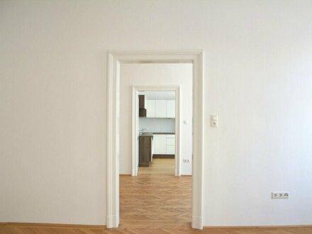 ERSTBEZUG! Generalsanierte 3-Zimmer-Wohnung mit Balkon und Schlafzimmer in den Innenhof in Schallmoos in schönem Altstadthaus