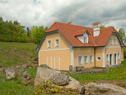 Gediegenes Landhaus in Ruhe- und Aussichtslage Nähe Langschlag