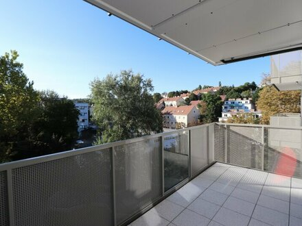Heller Neubau mit West-Balkon im 4. Liftstock!