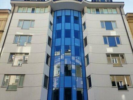 Großzügige Wohnetage mit drei Balkonen in unmittelbarer Augarten-Nähe