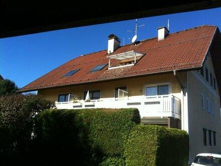 Schöne, heimelige 2-Zimmer-Wohnung mit großem Balkon und PKW-Abstellplatz in Morzg zu vermieten