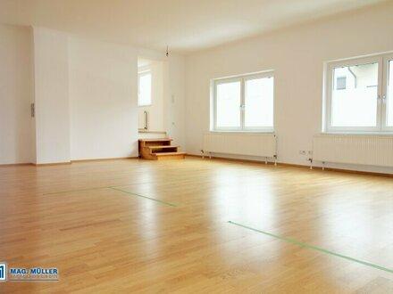 Wohlfühlen am Stadtrand - Vielfältige 3/4-Zimmer-Wohnung mit viel Platz & Sonnengarten