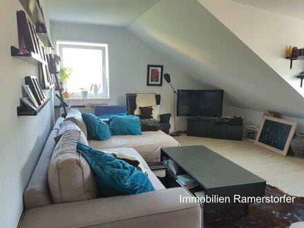 Single-Dachgeschoss-Wohnung mit Ausblick