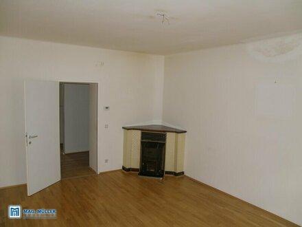 Viel Platz! Cahrmante 2-ZI-Wohnung in Jahrhundertwende-Villa - ideal auch für eine 2-er WG