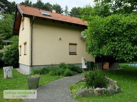 Einfach außergewöhnlich! Einfamilienhaus mit Garten und großem Erholungswert