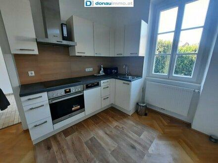 Wunderschöne modernisierte 2-Zimmer-Wohnung am Rande der Kremser Fußgängerzone mit großer Terrasse