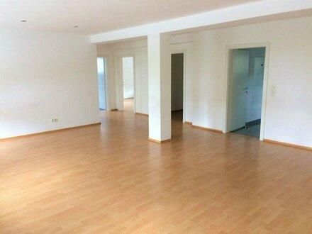 WG-geeignete 5-Zi. Wohnung - grosszügige Raumaufteilung - Gartenmitbenutzung - Salzburg-Parsch
