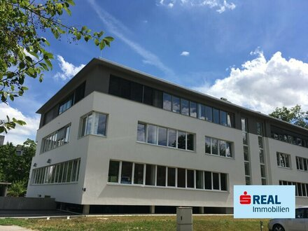 Schlosspark Lichtenegg/Wels - Bürogebäude