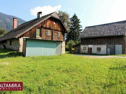 Grundstücke mit Altbestand: 200-300 Jahre altes, ehemaliges Bauernhaus mit Nebengebäude