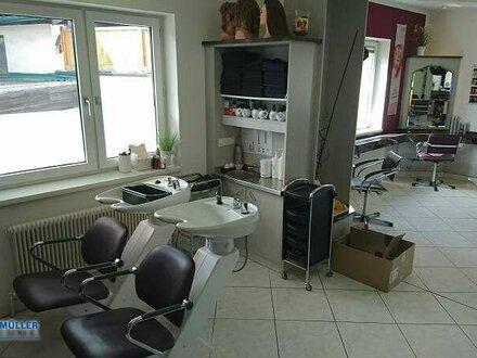 Endlich Selbstständig und Haargenau richtig : Friseursalon in guter Lage neu zu vermieten