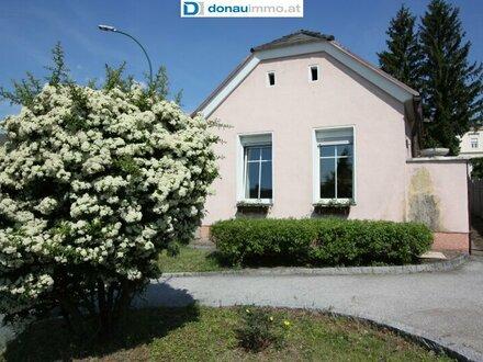 Renovierungsbedürftiges Haus mit Weinkeller, Nebengebäude und Garage in Rechnitz