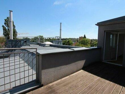 Entzückende Dachgeschoßwohnung mit Terrasse - Speisinger Straße