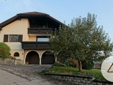 Gut strukturiertes und gepflegtes Einfamilienhaus in ruhiger Lage mit Garten/Terrasse!