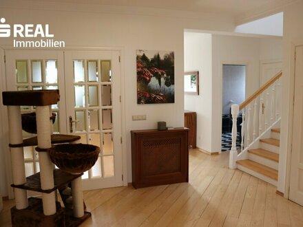 7111 Parndorf, schönes Mehrfamilien/Architektenhaus mit großem Grundstück in begehrter ruhiger Lage!