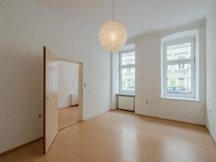 ++NEU** Modernisierungsbedürftige 2-Zimmer EG-Altbauwohnung