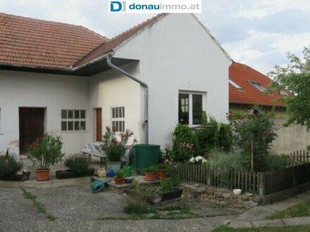 3721 Oberdürnbach: Landhaus mit Nebengebäuden (Herbstangebot!)