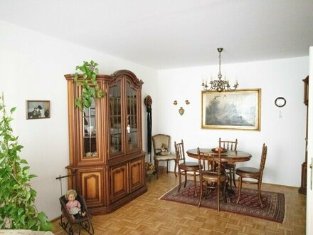 Verkauf: Gepflegte 2 Zimmerwohnung mit Balkon in ruhiger Lage Kleingmain