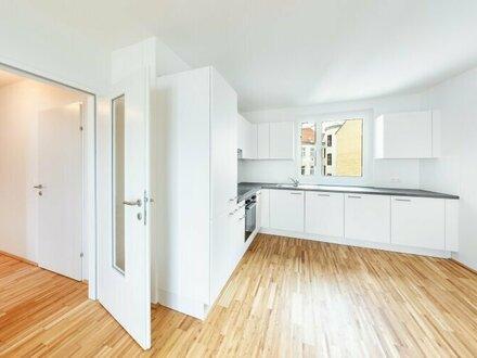 Küche mit Fenster - zentral begehbar und hofseitig mit Loggia - LIWI280/64
