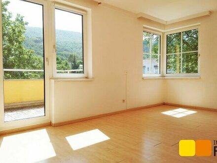 Helle 3-Zimmer Terrassenwohnung im Grünen