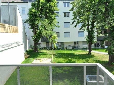 sehr RUHIGE 2-Zimmer-Wohnung mit Balkon! ab JETZT!