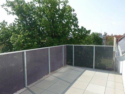 ERSTBEZUG 4-5 Zimmer DG Wohnung mit Terrasse und Balkon