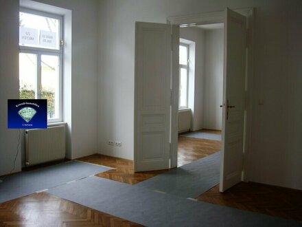 Wohnen mit Stil - komplett neu renovierte Altbauvilla im Herzen von Brunn am Gebirge - 012875