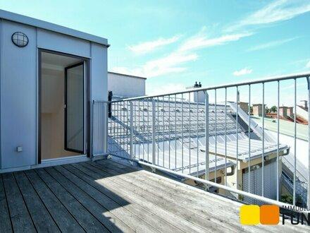 Spektakuläre Dachgeschosswohnung mit Gloriette-Blick