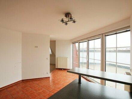 WIENBLICK - helle Dachterrassen-Maisonette in repräsentativem ALTBAU - schön renoviert auf 91m² mit Einbauküche 1040 Wien
